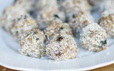 photo of Blueberry coconut nutty protein balls