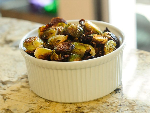 photo of a bowl of burnt brussels sprouts